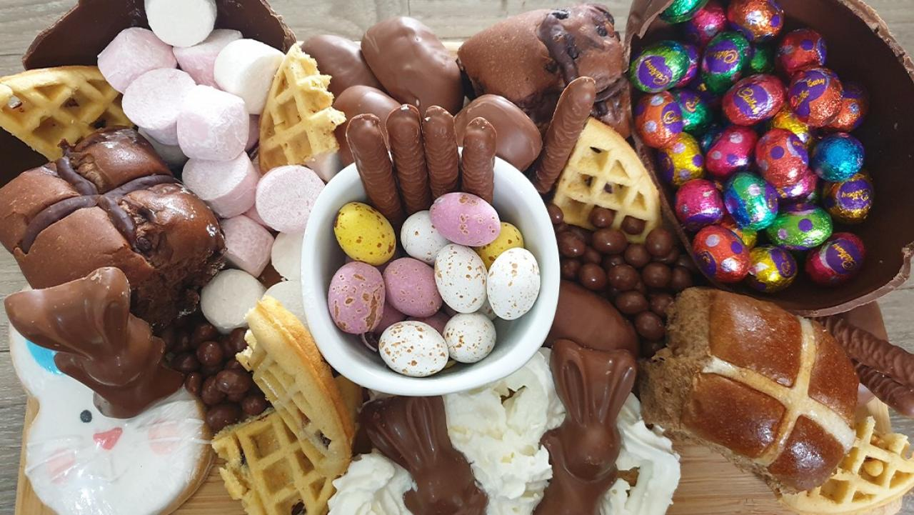 How To Create Your Own Easter Themed Grazing Platter